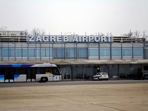 Aeropuerto De Zagreb Transporte Aeropuerto Hasta El Centro Bus Taxi